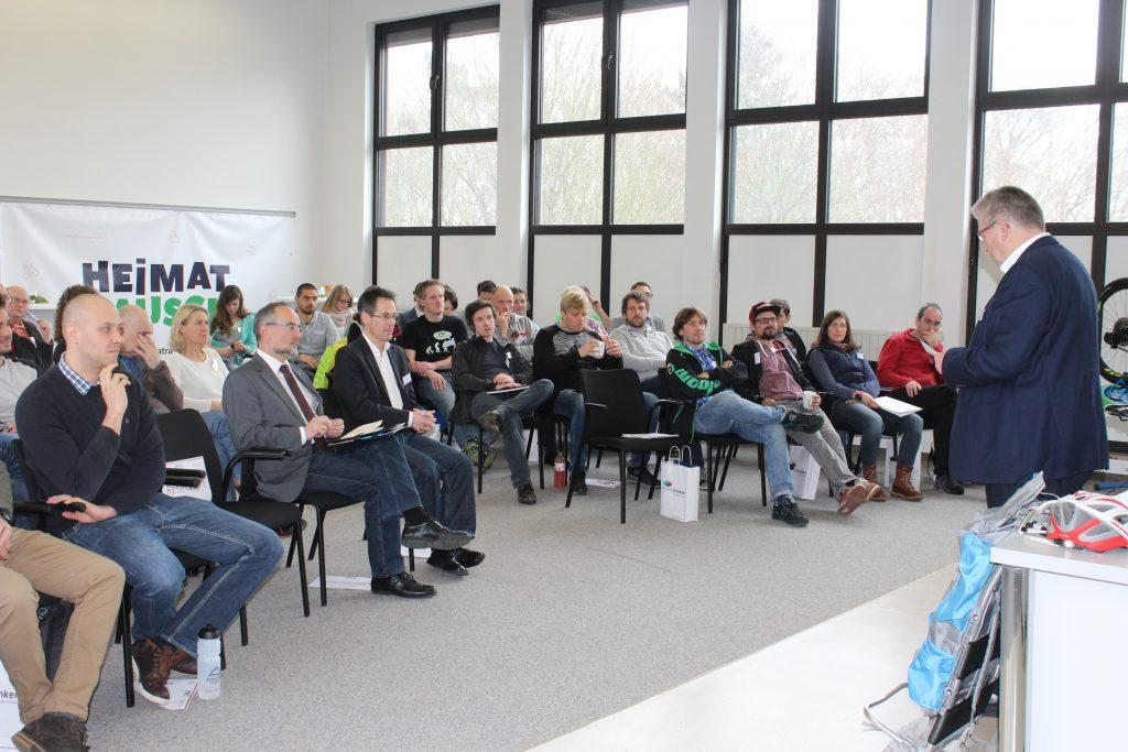 2_KOA_Schirmherr Landrat Gerhard Wägemann begrüßt die Gäste und unterstreicht die Bemühungen des Landkreises im Bereich Mountainbiken ein touris